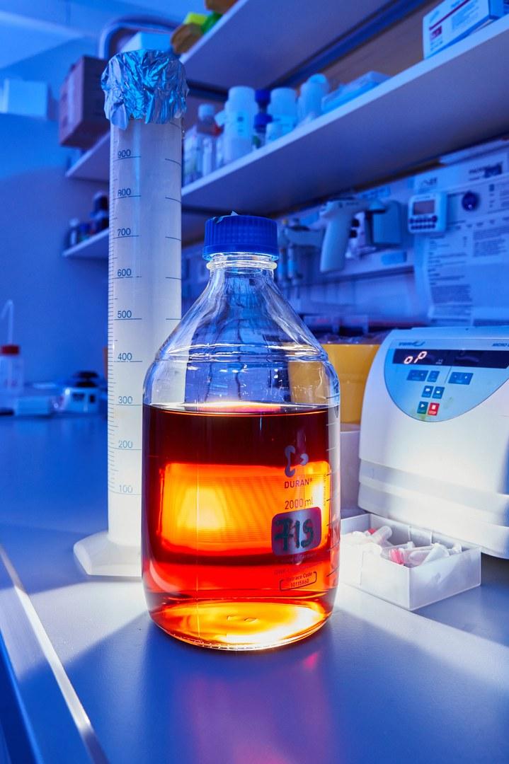 Flasche mit Flüssigmedium