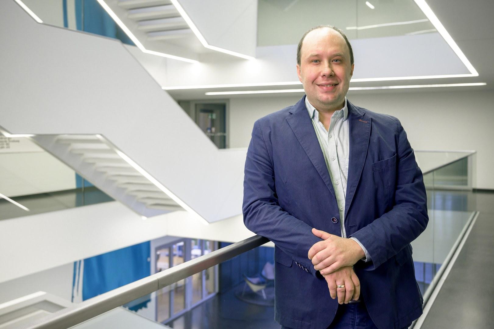 Dr. Thomas Ulas,