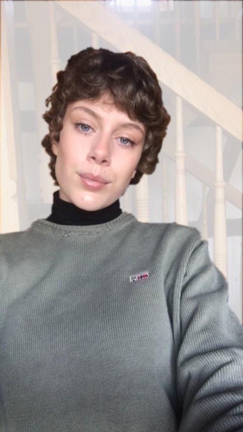 Johanna Bungart (19)