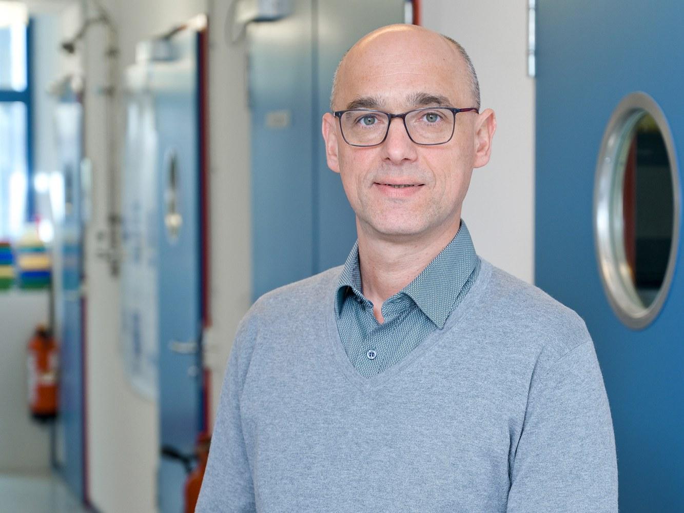 Der Neuropharmakologe Prof. Dr. Ralf  Stumm