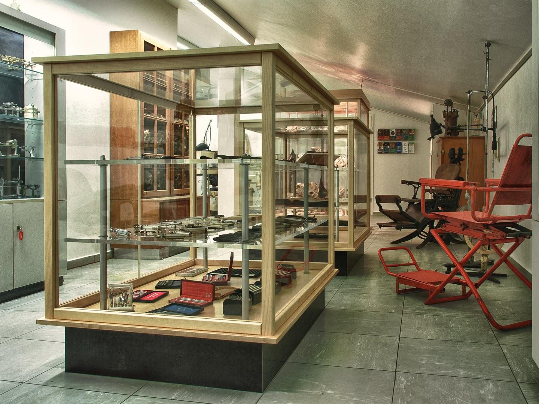 Ausstellungsraum Dentalhistorische Sammlung