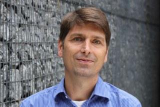 Dr. Daniel Oeltz