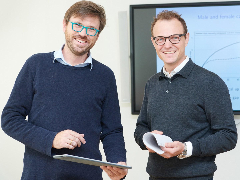 Prof. Dr. Christian Bayer (links) und Prof. Dr. Moritz Kuhn (rechts)