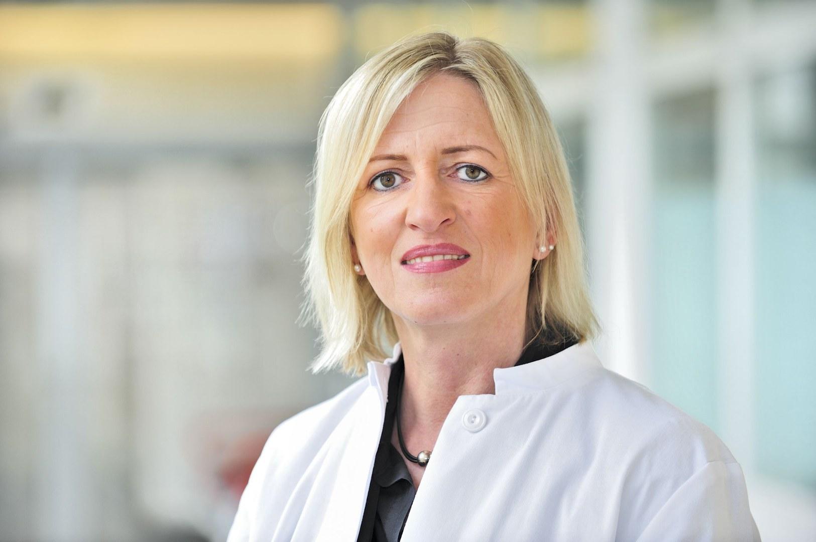 Dr. Tanja Menting