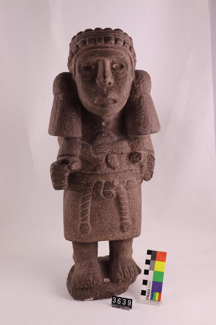 Statue der aztekischen Maisgöttin Chicomecoatl