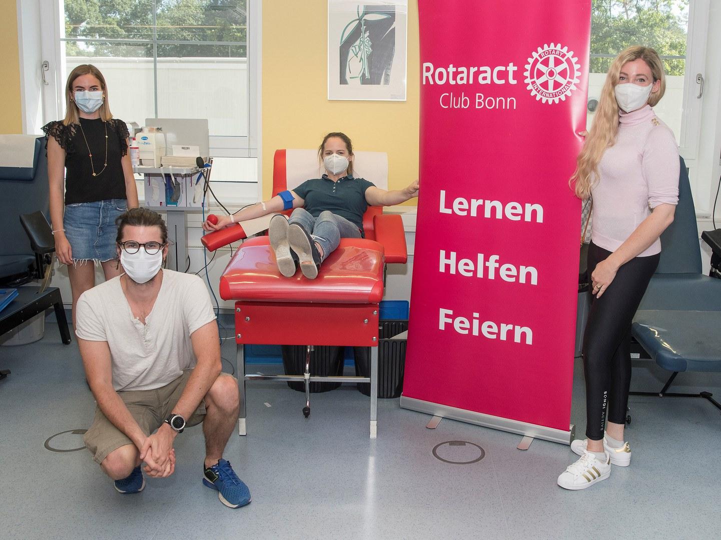 Rotaract Club Bonn ruft zur Blutspende auf: