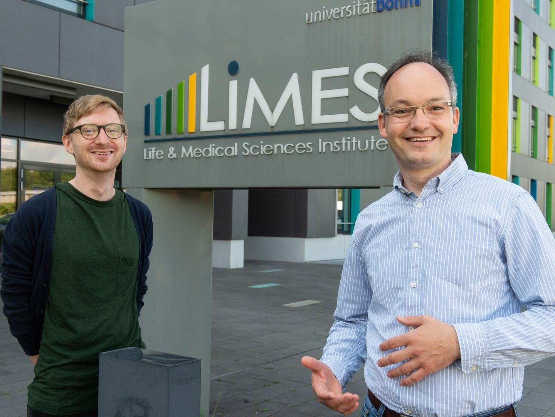 Privatdozent Dr. Lars Kürschner (rechts) und Mario Lauterbach (links)