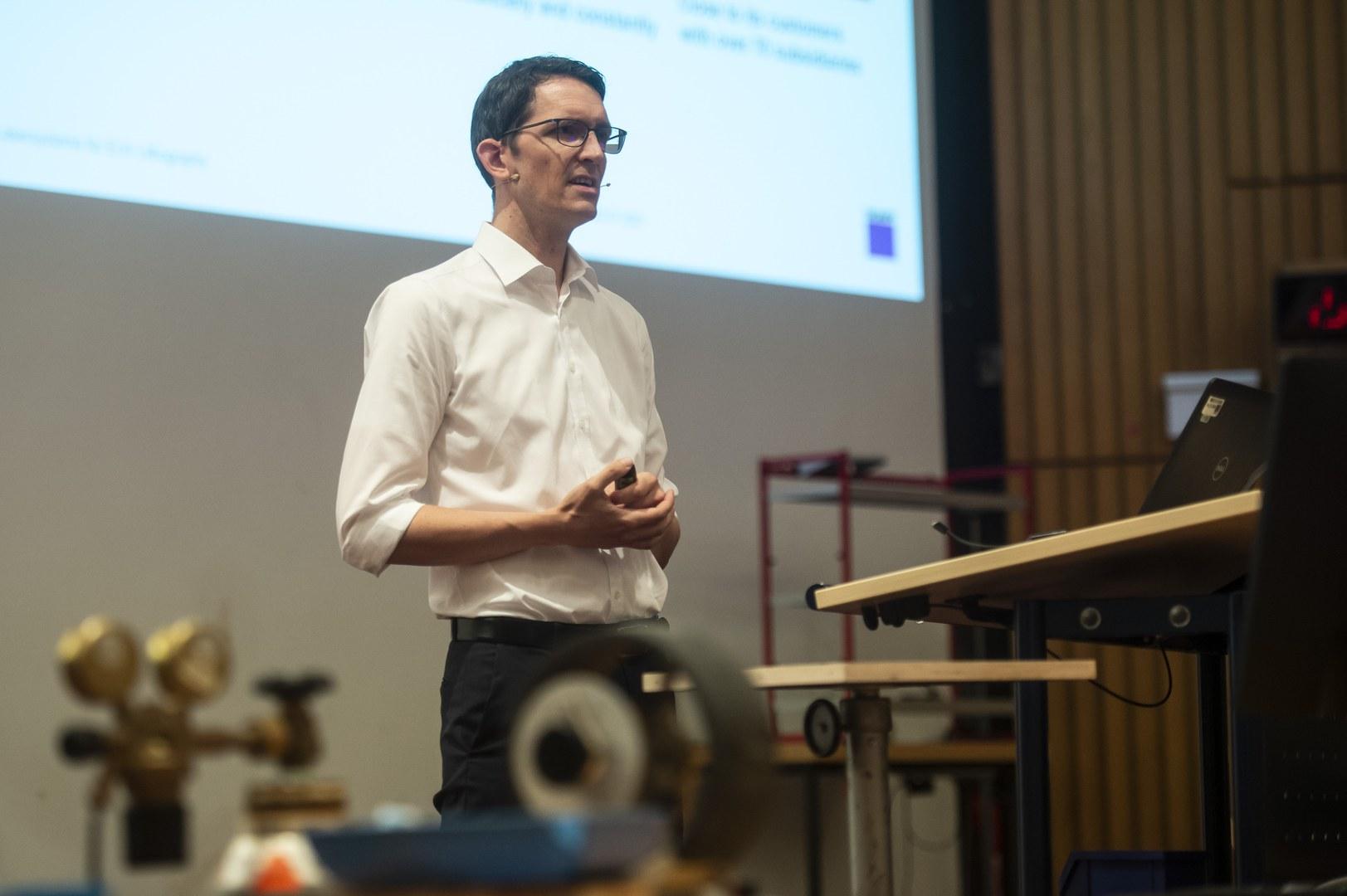 Dr. Michael Kösters