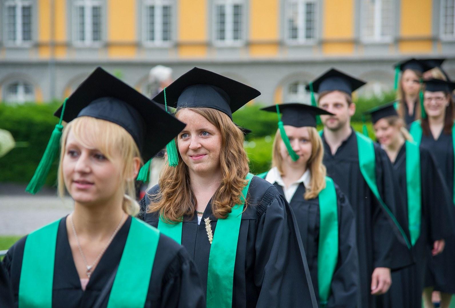 Studienabschluss im Hofgarten