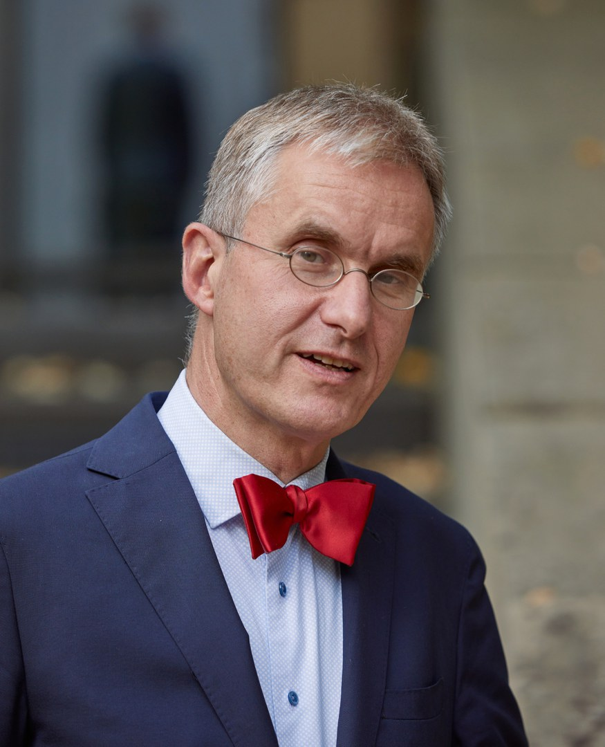 Prof. Dr. Ulrich Schlie