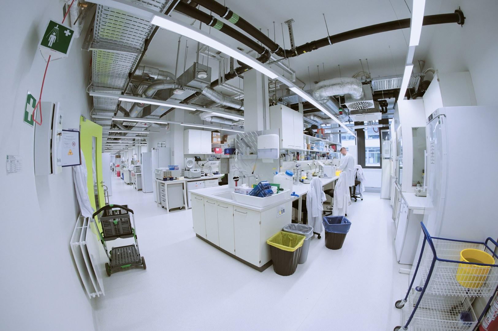 Moderne Laborausstattung