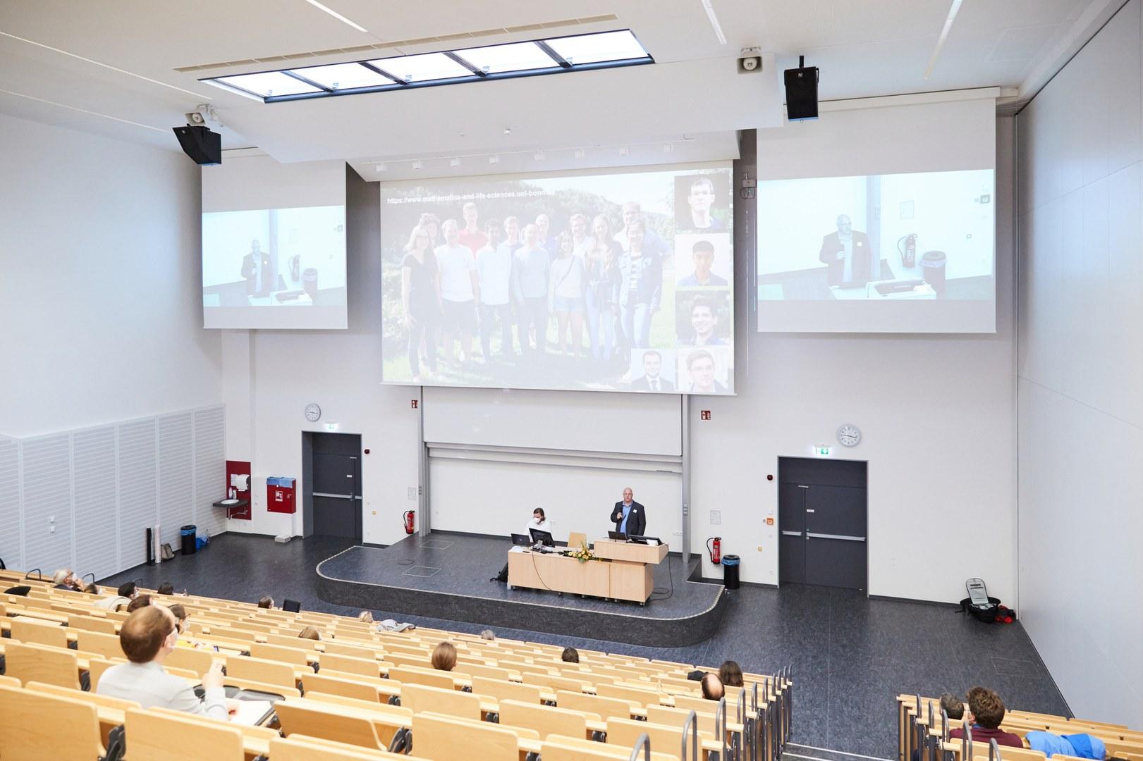 Die einzelnen IRUs stellten beim Symposium ihre Arbeitsgruppen vor.