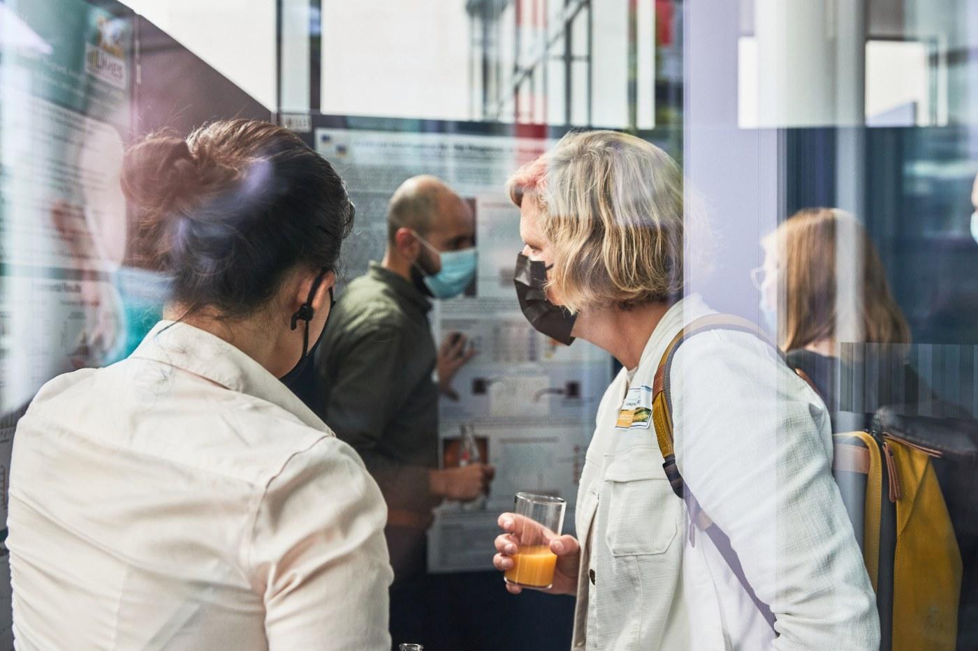 """Impressionen vom Symposium """"Interdisciplinary Research in Mathematics and Life Sciences"""""""