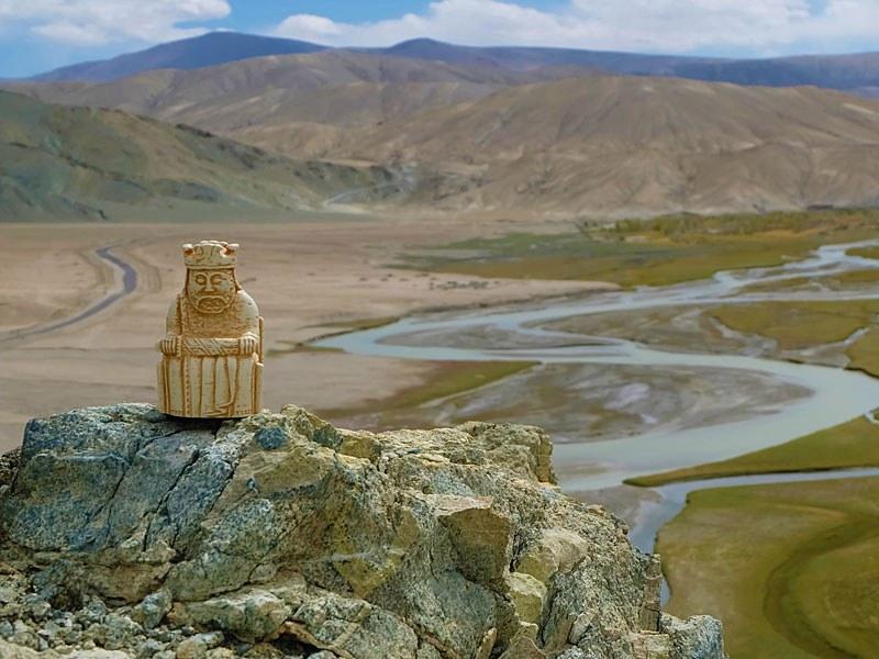Mit einem König unterwegs im Himalaya: