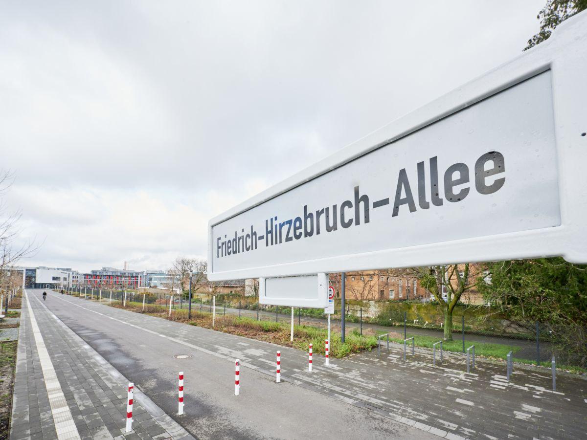 Friedrich-Hirzebruch-Allee