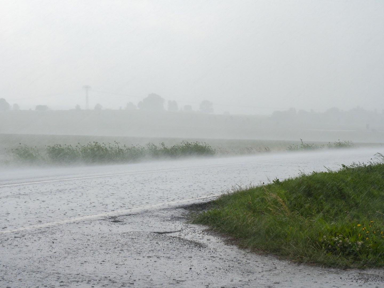 Symbolfoto: Starkregen
