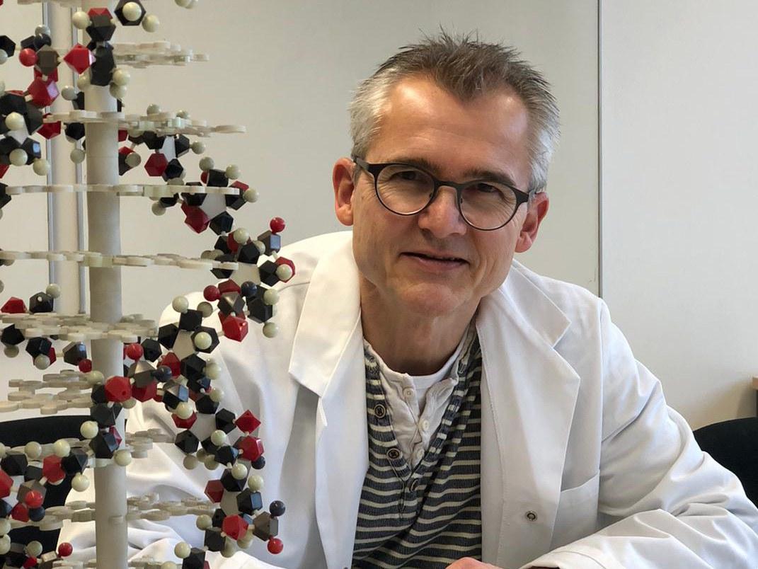 Prof. Dr. Oliver Gruß