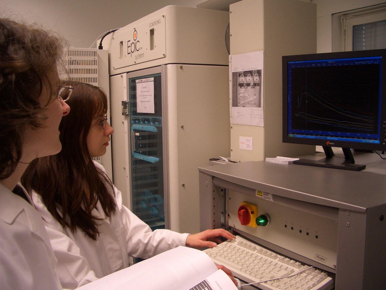 Bild Bonner Pharmaforscher erhalten Hightech-Gerät