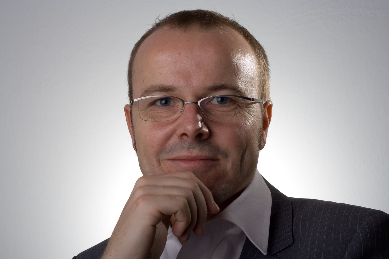 Bild Prof. Dr. Armin Falk erhält den Gossen-Preis