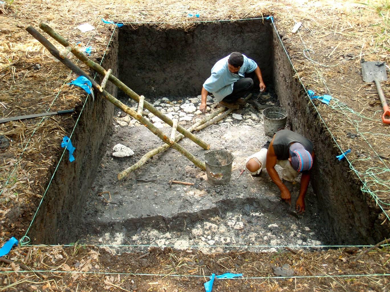 Wasserspeicher - der Boden wird freigelegt A.jpg
