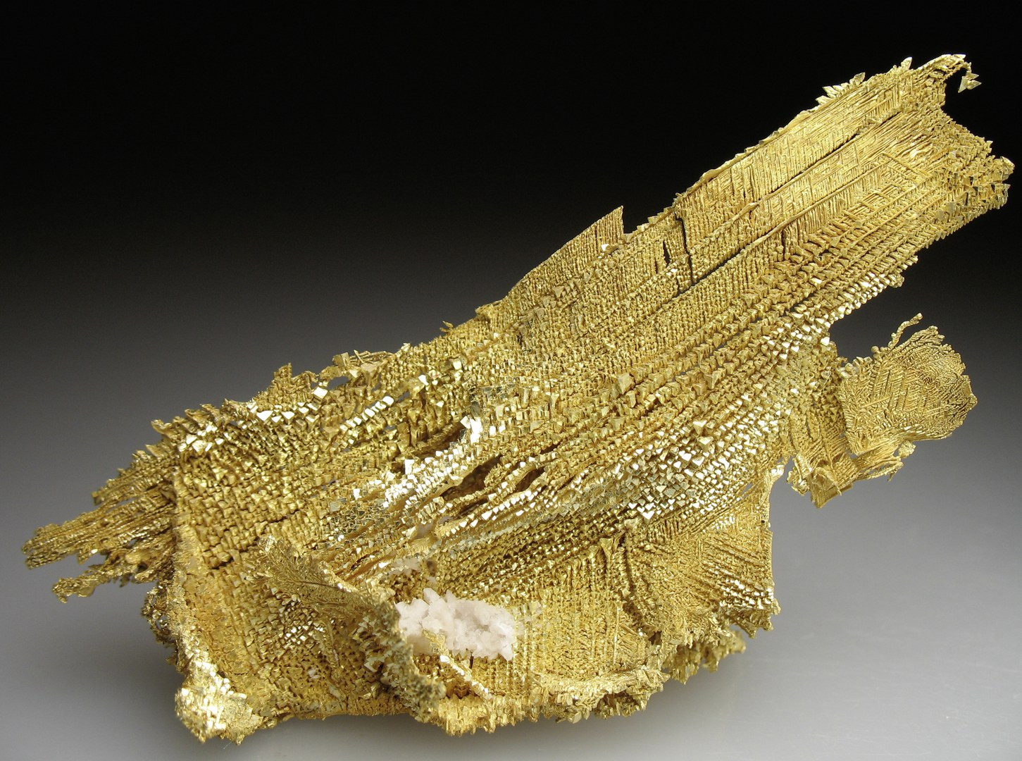 Gold aus Round Mountain, Nevada ohne Legende.jpg