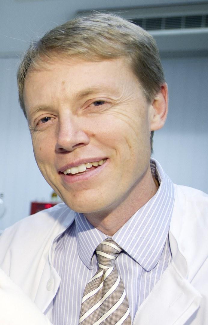 Prof. Dr. Gunther Hartmann,