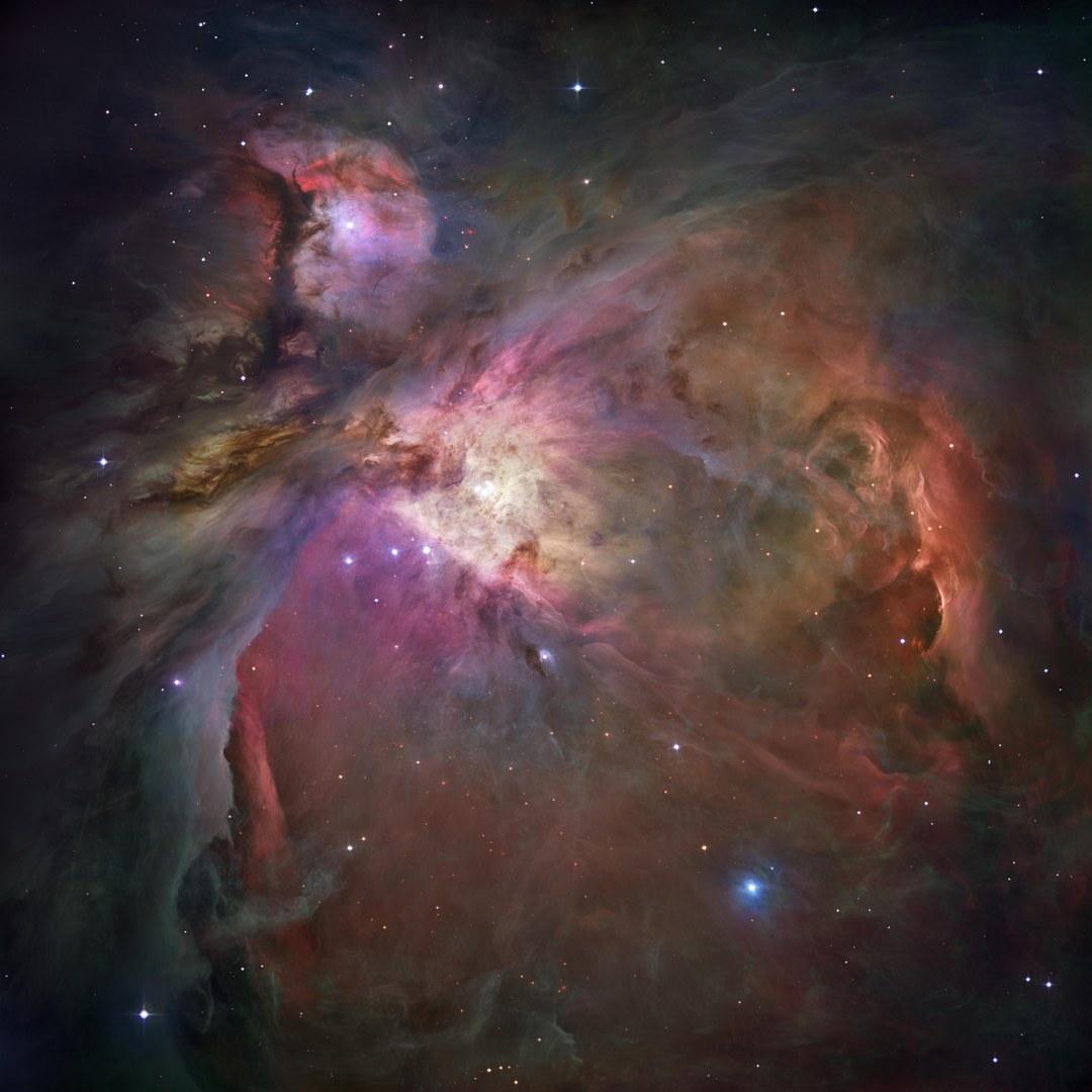 Gesamtbild des Orion Nebels mit dem Sternhaufen im Zentrum: