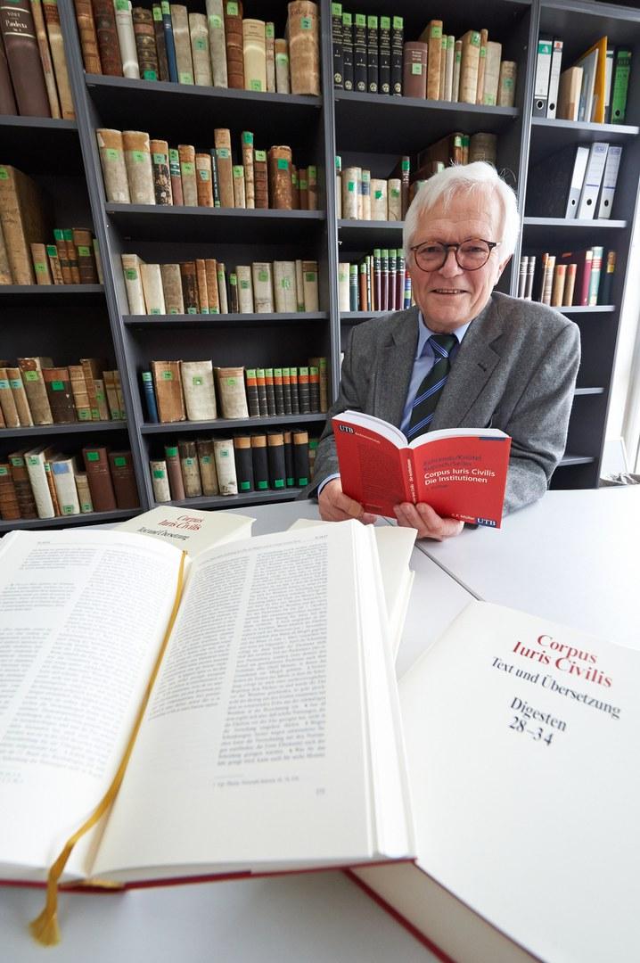 Der Rechtswissenschaftler Prof. em. Dr. Rolf Knütel
