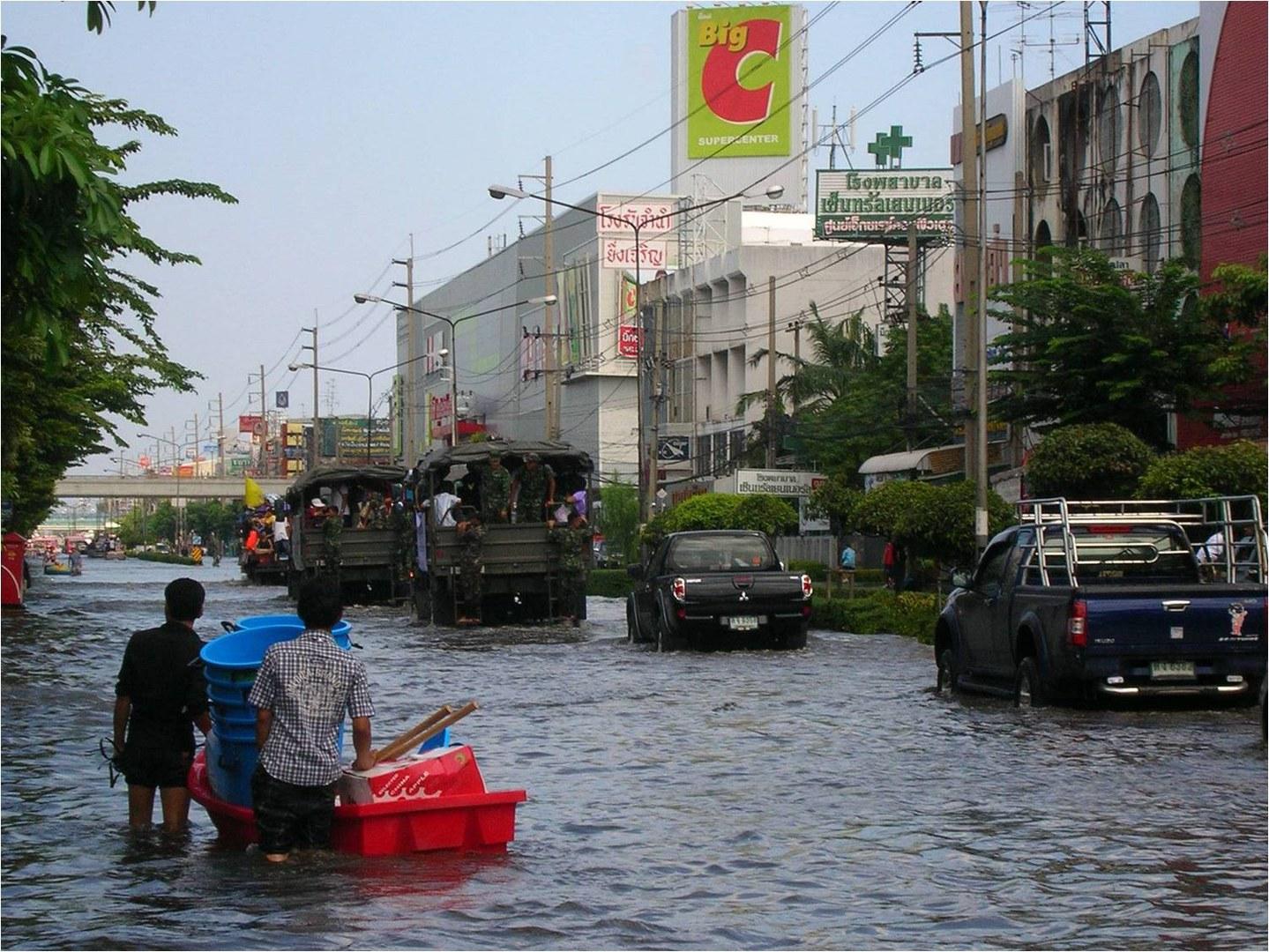 Straßenzug im Norden Bangkoks
