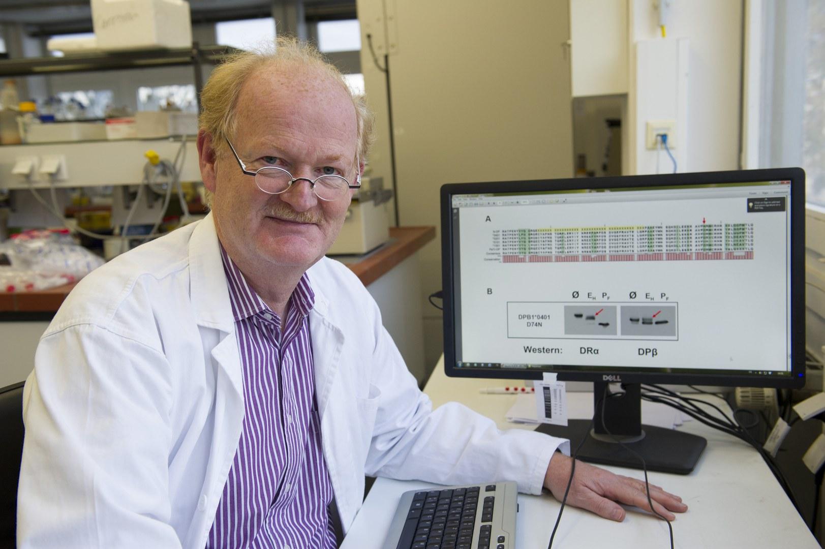 Prof. Dr. Norbert Koch vom Institut für Genetik der Universität Bonn
