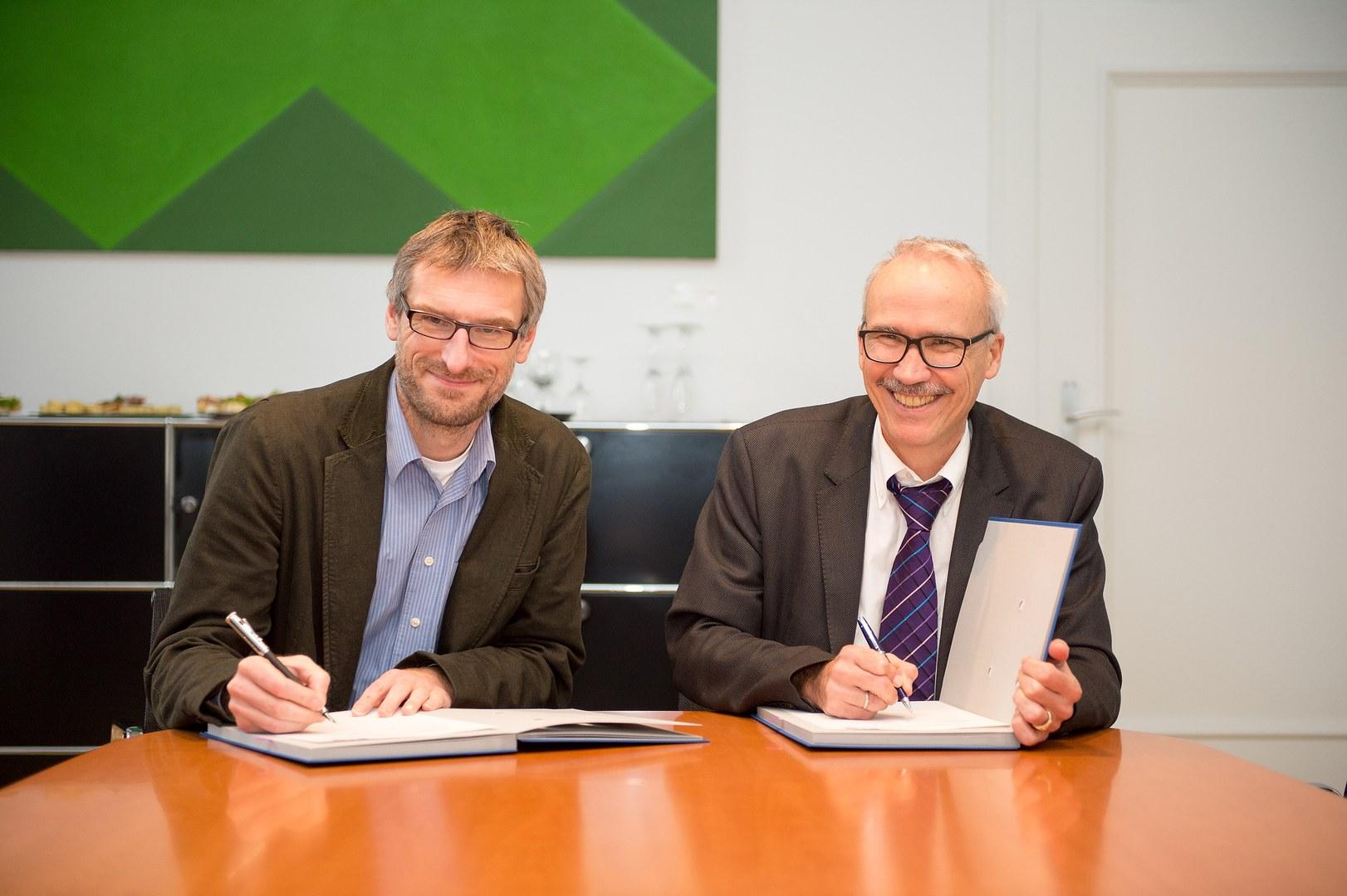 Unterzeichnung des Kooperationsvertrages: