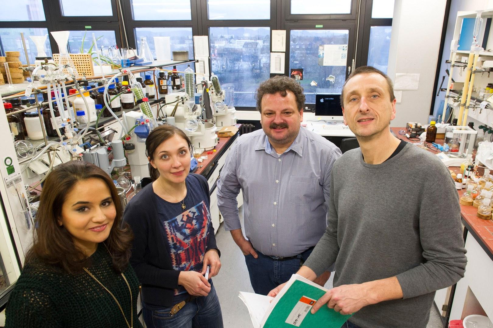 m Labor des Kekulé-Instituts für Organische Chemie und Biochemie der Universität Bonn: