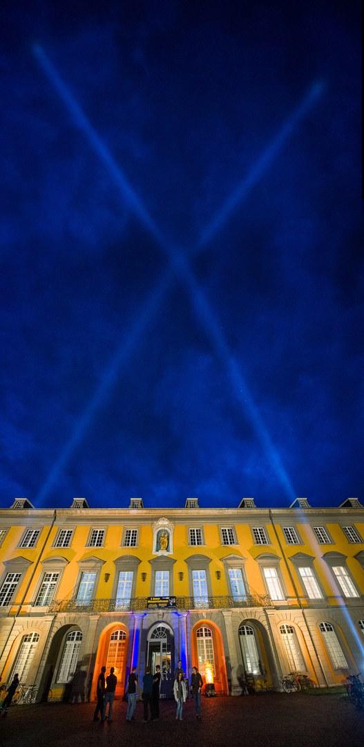 Lasereffekte am Nachthimmel