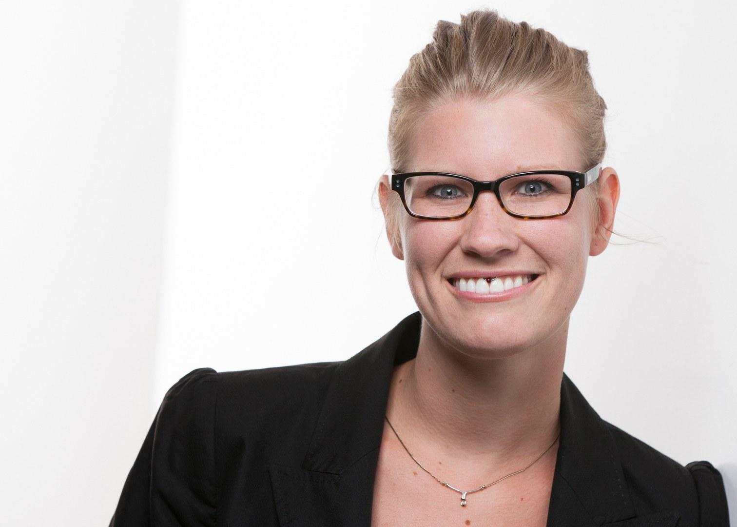 Dr. Sarah Schaschek