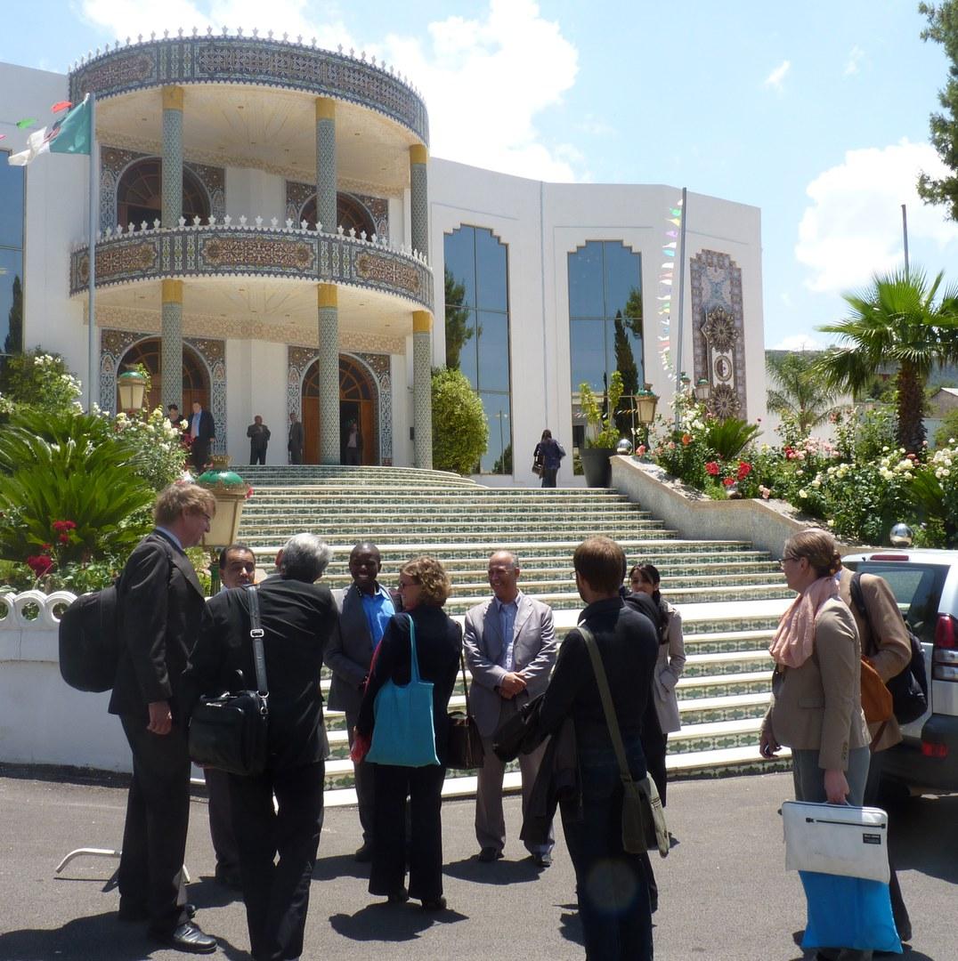 Das Universitätsgebäude der Abou Bekr Belkaid Universität