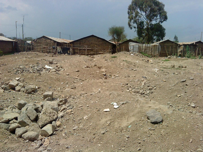 Brache im Zentrum der von Gewalt betroffenen Siedlung: