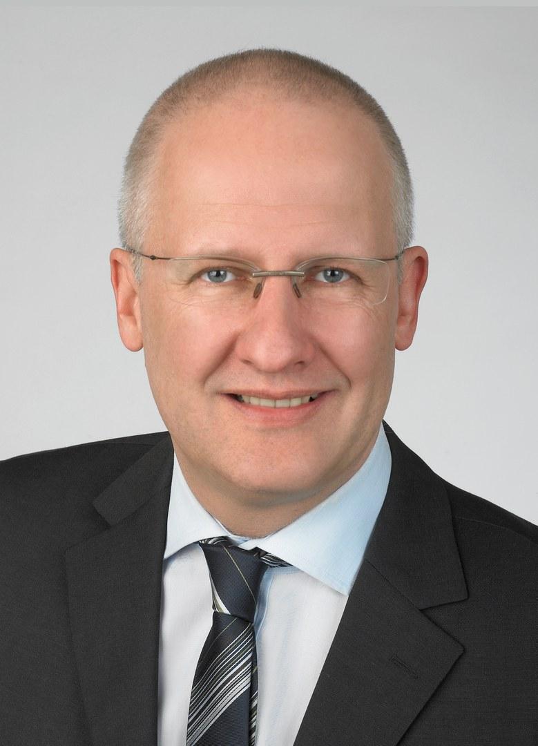 Dr. Dieter Schoepf