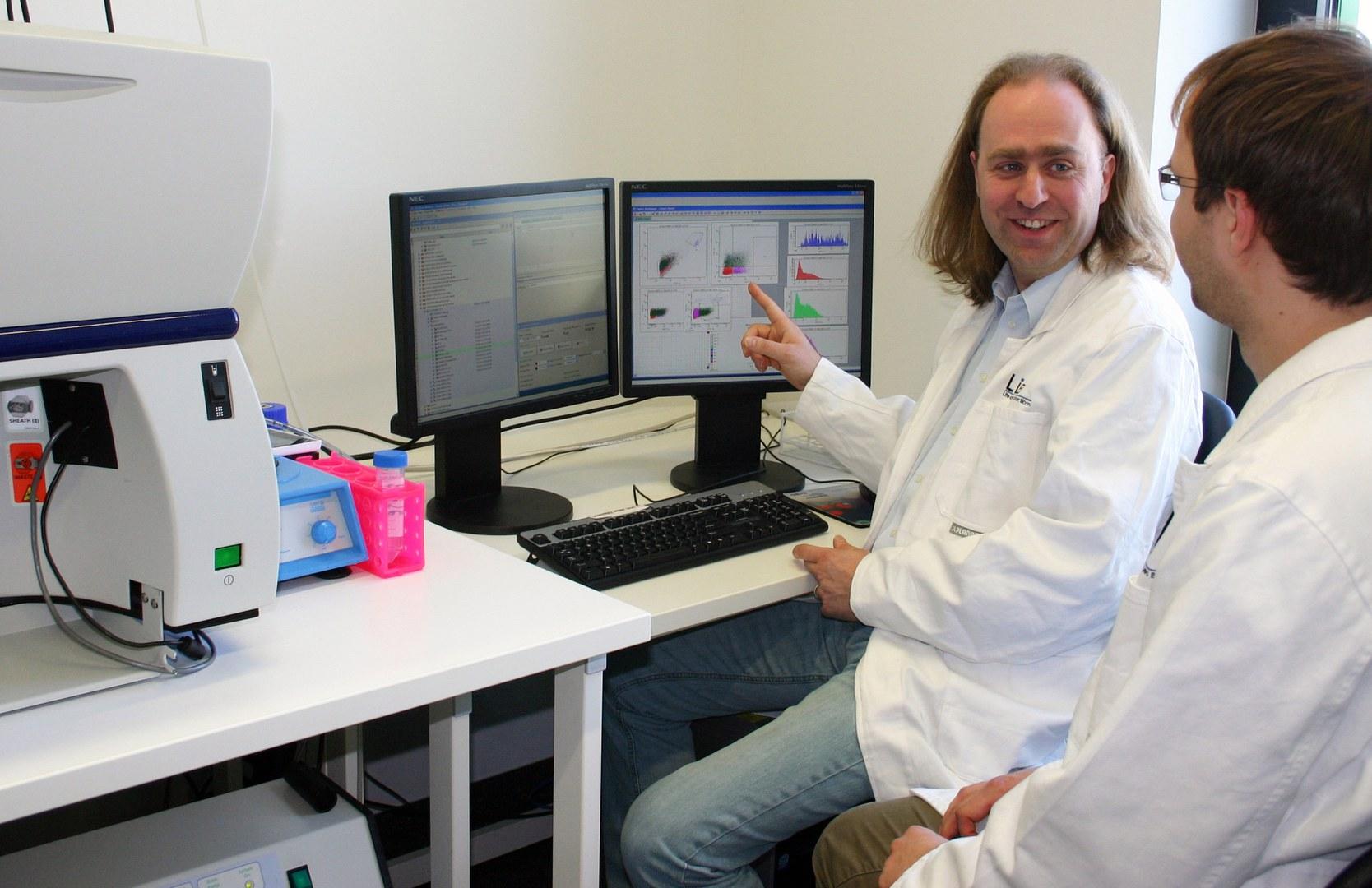 Matthias Zehner (rechts) und Prof. Dr. Sven Burgdorf