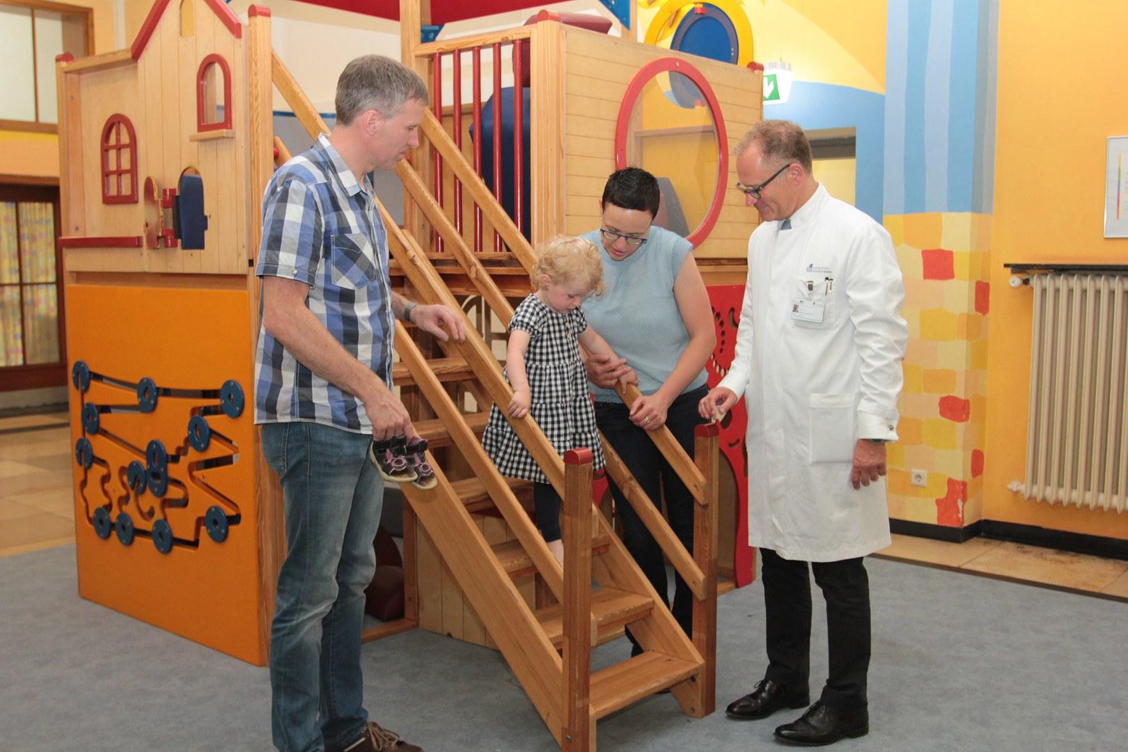Besuch in der Bonner Universitäts-Kinderklinik:
