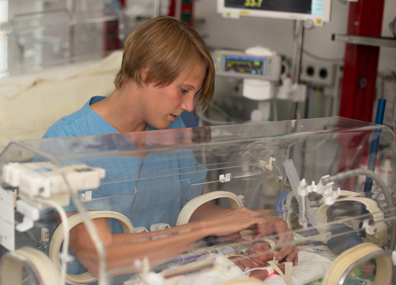 Neugeborenen-Intensivstation am Uni-Klinikum Bonn:
