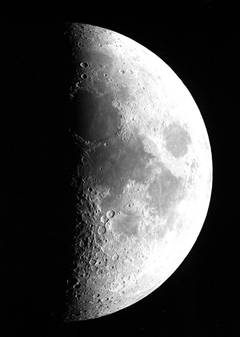 Der Mond mittels Küstners Doppelrefraktor, 1901