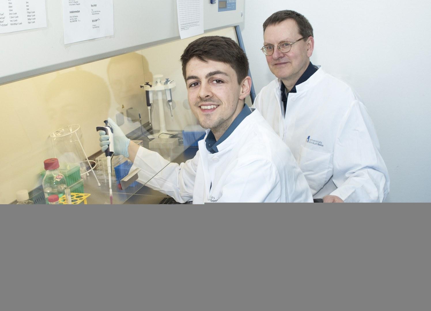 Prof. Dr. Alexander Pfeifer (rechts)
