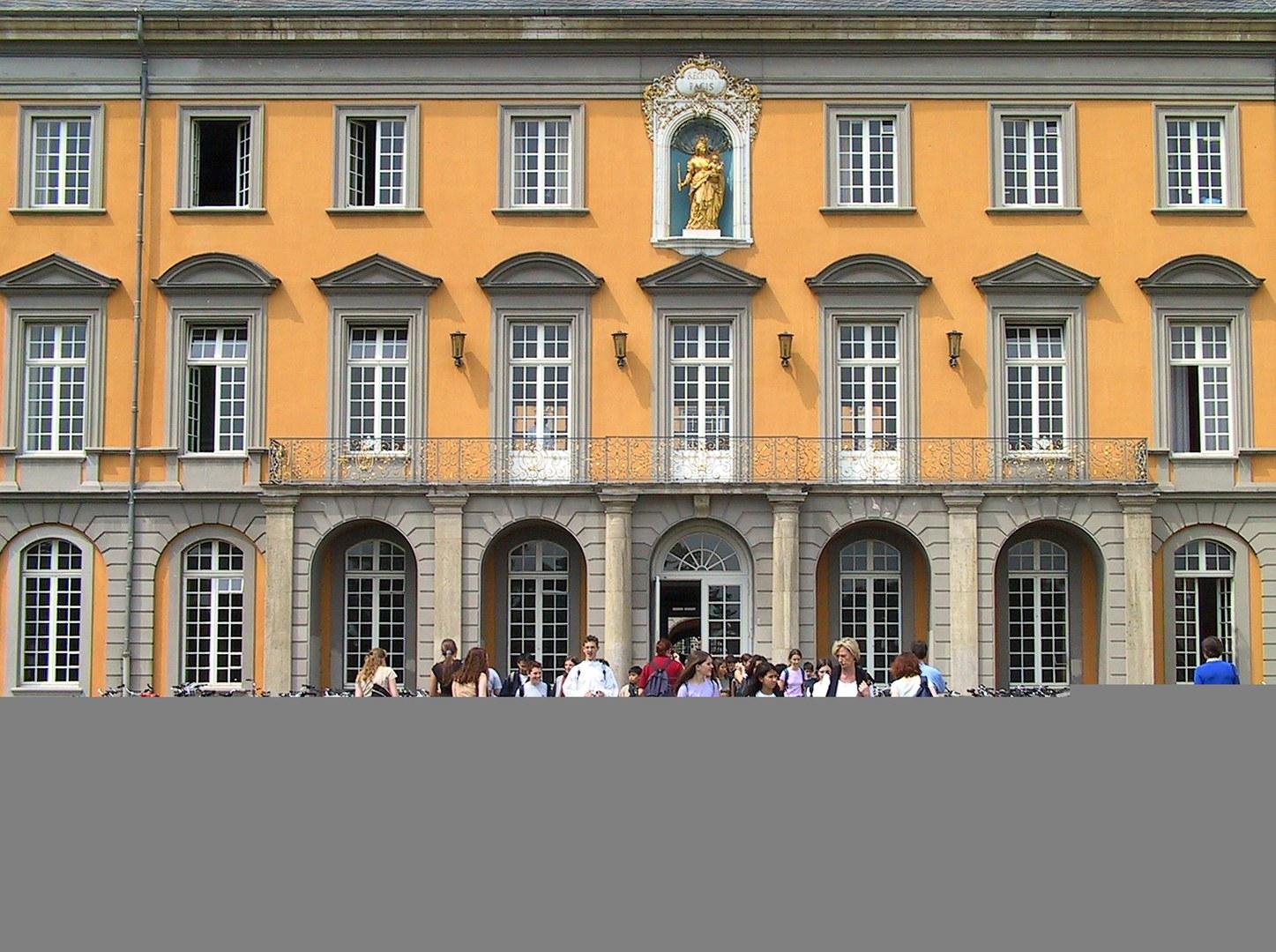 Hofgarten-Eingang-UniBonn-TM.jpg