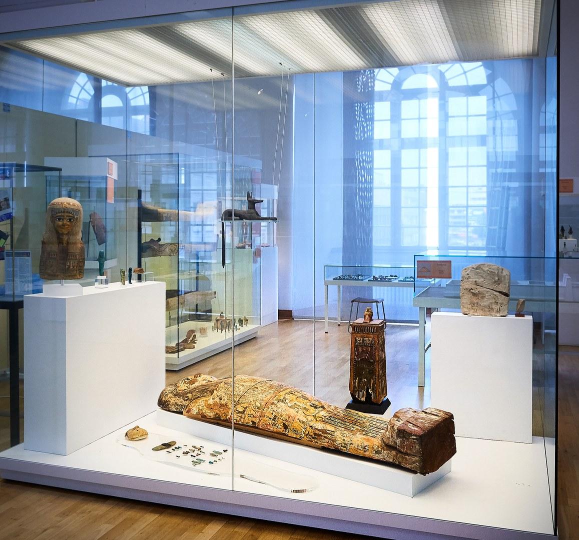 Der Sargdeckel aus ptolomäischer Zeit im Ägyptischen Museum