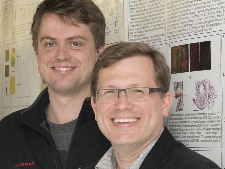 Dr. med. Tobias Brügmann (links) und Jun.-Prof. Dr. med. Philipp Sasse (rechts)