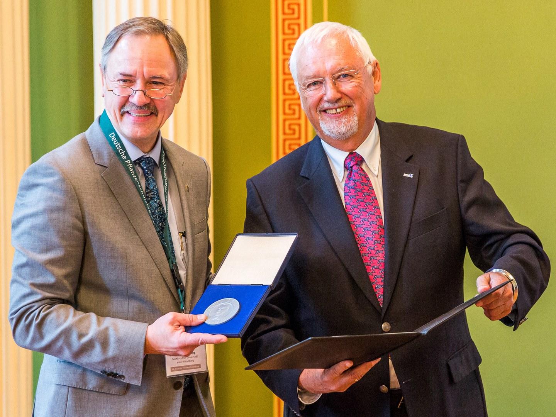 Verleihung der Anton-de-Bary-Medaille: