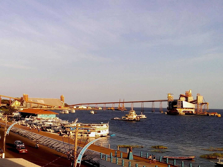 Sojaverschiffungshafen in Santarém (Brasilien):