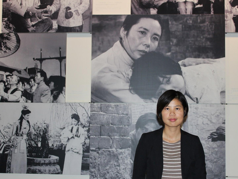 Dr. Meimei Xu im Kino-Museum in Schanghai