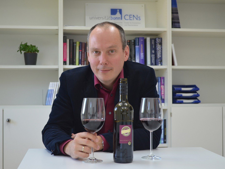 Rechtes oder linkes Glas - welcher Wein schmeckt besser?