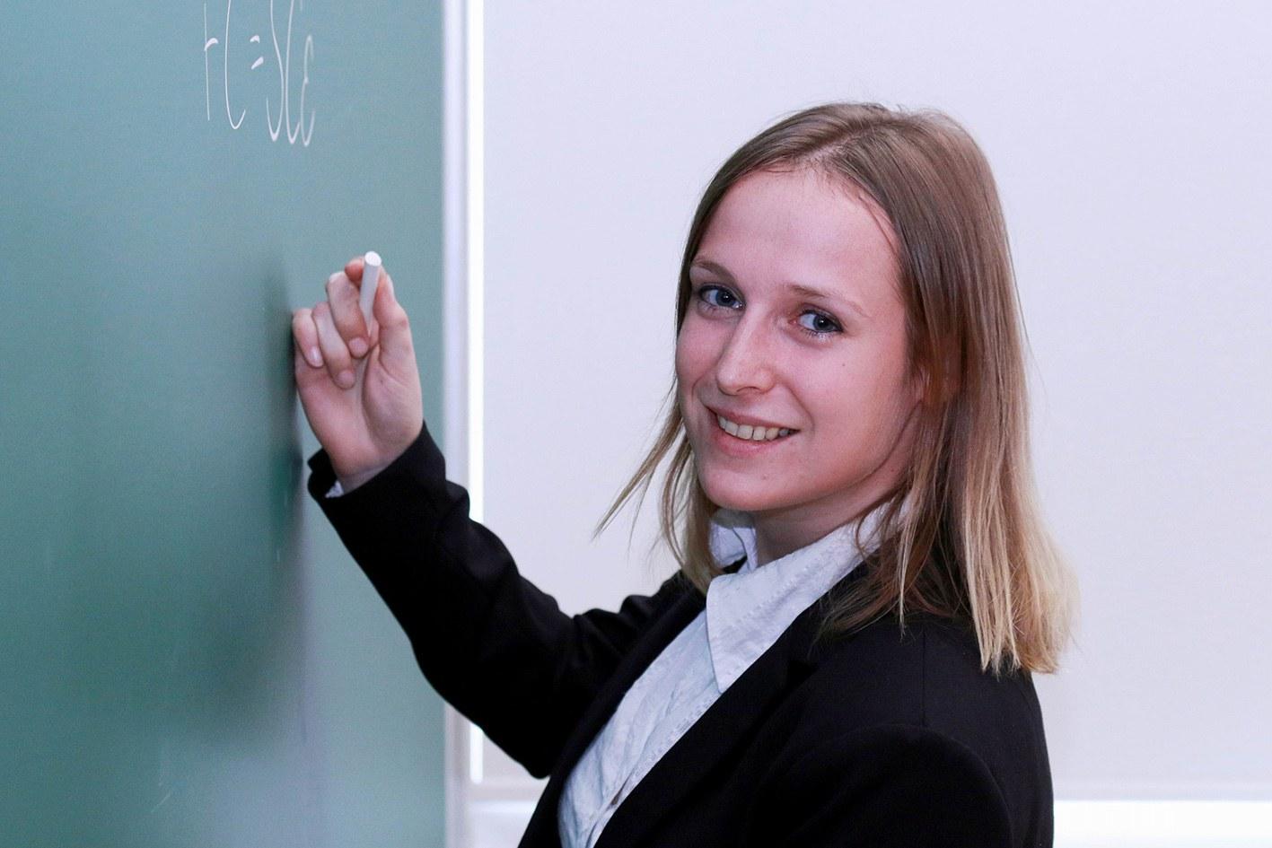 Dr. Eva Perlt